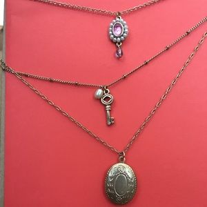 Jewelry - Three chain locket necklace